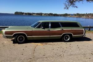 1969 Ford Country Squire wagon Photo