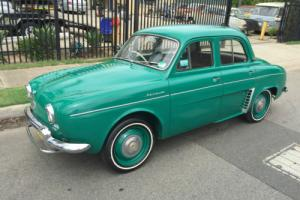 RENAULT  DAUPHINE 1959 Photo