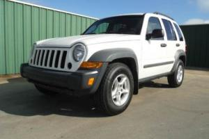 2005 Jeep Liberty Sport 4dr SUV Photo