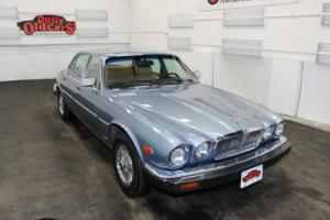 1987 Jaguar XJ6 Runs Body Int Excel 4.1L I6 3 spd auto