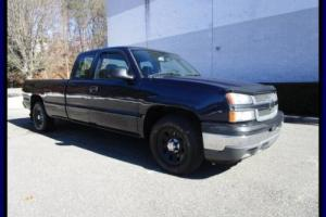 2005 Chevrolet Silverado 1500 LS 6 Passenger 8 ft bed