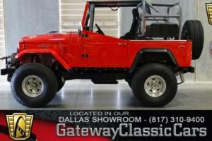 1972 Toyota FJ40 -- Photo