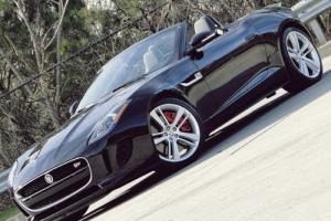 2014 Jaguar F-Type PERFORMANCE PACK V8 S . SUPERCHARGED .