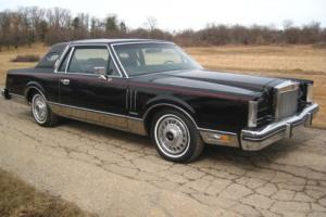 1982 Lincoln Continental Mark VI Photo