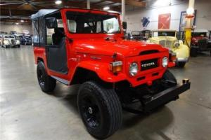 1974 Toyota Land Cruiser -- Photo