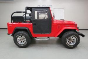 1974 Toyota Land Cruiser Photo