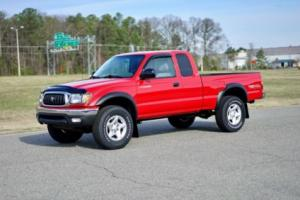 2003 Toyota Tacoma Extended Cab / 4WD / 1 Owner Carfax Report!!