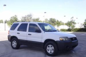 2005 Ford Escape XLS 4WD Photo