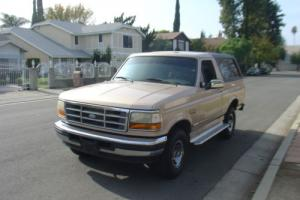 1996 Ford Bronco Photo