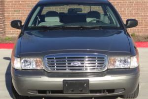 2004 Ford Crown Victoria 4.6 V8 SFI