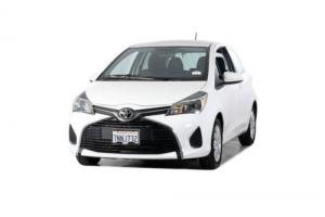 2015 Toyota Yaris LE Photo