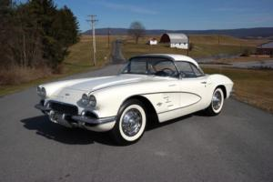 1961 Chevrolet Corvette Orig #s match 283ci/325hp*2Tops*White/Black* Photo