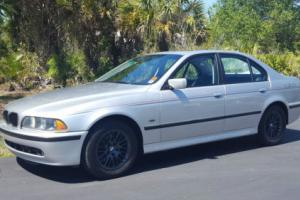 2003 BMW 5-Series 530i Photo