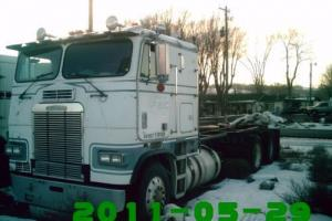 1985 FREIGHTLINER FLT 8654T Sleeper Photo