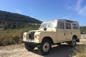 1974 Land Rover Defender Santana Photo