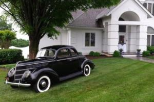 1938 Ford 85 Coupe Photo