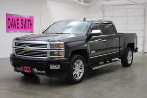 2015 Chevrolet Silverado 1500 4WD Crew Cab 143.5 High Country
