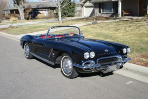 1962 Chevrolet Corvette convertible Photo