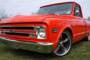 1968 Chevrolet C-10 FUEL INJECTED RESTOMOD