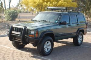 2000 Jeep Cherokee Photo