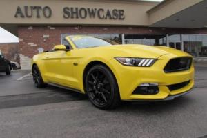 2016 Ford Mustang Premium Convertible Photo