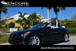 2015 Infiniti Q60 2 Door Convertible W/Premium Package and Navigatio
