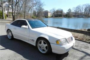 2000 Mercedes-Benz SL-Class -- Photo