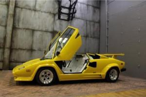 1988 Lamborghini Countach -- Photo