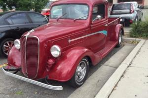 1937 Ford modified street rod