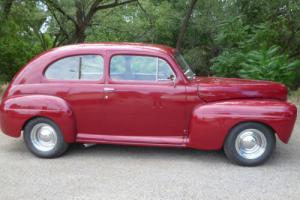 1948 Ford Super Deluxe Tudor 2-Door Sedan