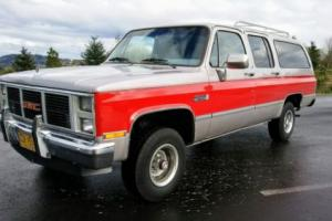 1985 GMC Suburban FULLY LOADED Super clean low miles 4WD K-10 SUV