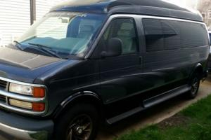 2000 Chevrolet Express Custom Craft