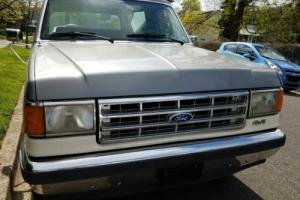 1987 Ford Bronco Photo