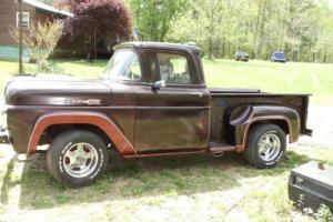 1960 Ford F-100 Photo