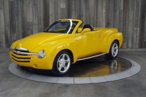 2004 Chevrolet SSR -- Photo