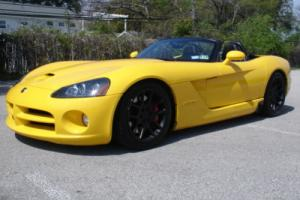 2005 Dodge Viper SRT-10 CONVERTIBLE LOW MILES RARE YELLOW CLEAN