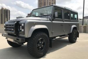 1984 Land Rover Defender 110 Photo