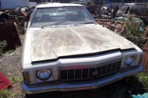1977 Holden HX Utility, runs and drives, 6 cyl, 3 on tree, good for parts only