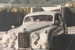 1961 Jaguar Mark IX Photo