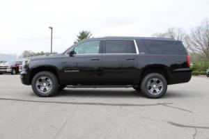 2017 Chevrolet Suburban 4WD 4dr 1500 LT Photo