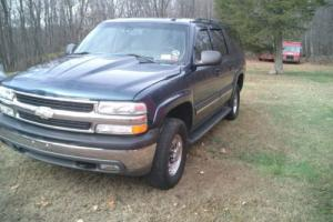 2005 Chevrolet Suburban 2500 LT Photo