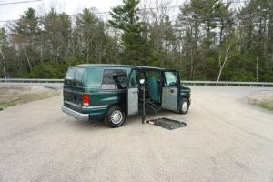 2001 Ford E-Series Van 150 Photo