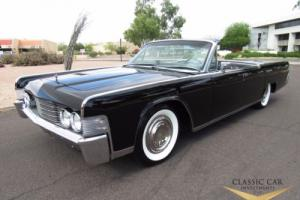 1965 Lincoln Continental Convertible Photo