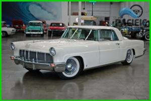 1956 Lincoln Continental Photo