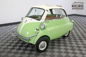 1958 BMW ISETTA 300. FULLY RESTORED GREAT COLOR COMBO Photo