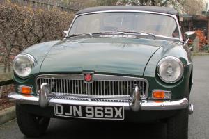 MG MGB sports/convertible Britishracinggreen eBay Motors #221234910202
