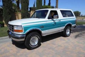 1993 Ford Bronco XLT 2dr 4WD SUV SUV 2-Door Automatic 4-Speed
