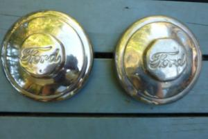 FORD 1930's hubcaps x 2 Photo