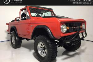1971 Ford Bronco -- Photo