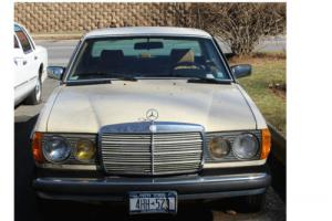 1984 Mercedes-Benz 300-Series 300CD Photo